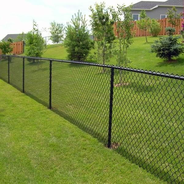 Chain lin kfence in grass sherwood park